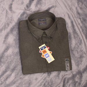 Dockers No Wrinkle Button Down Shirt
